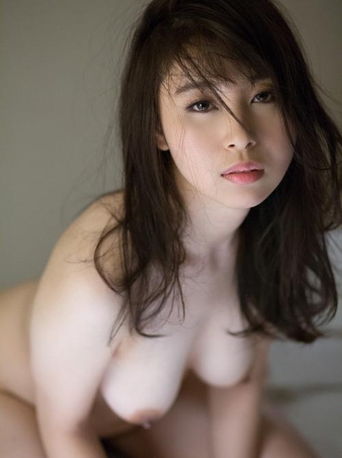 小川桃果 元教師の熟したヌード画像
