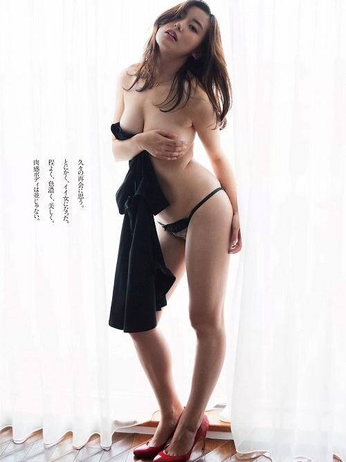 時田愛梨 一気に大人っぽく色気が増して手ぶらまで披露した巨乳おっぱい画像