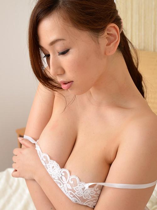 HカップAV女優 『佐山愛』の、エロい人妻臭が尋常じゃない件 #エロ画像 50枚