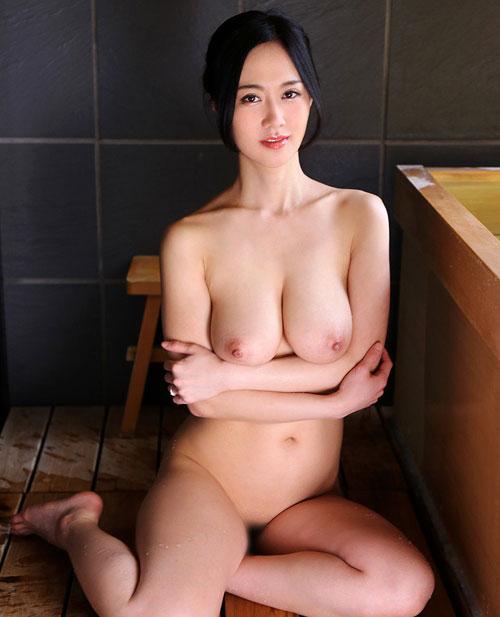 菅野さゆきJカップ巨乳おっぱい4