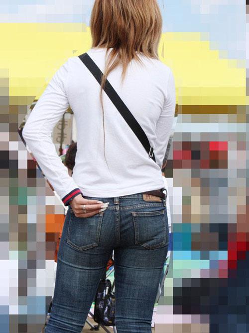 【盗撮 エロ画像】街撮りされた素人さんの何気ない姿のエロさwww