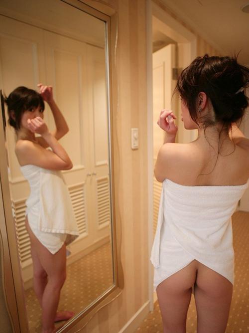 いまスグむしりとってエッチに突入したくなるバスタオルまいた女のエロ画像www