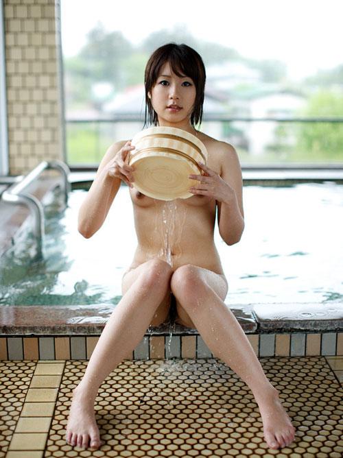 温泉でおっぱいと浸かって癒やし3