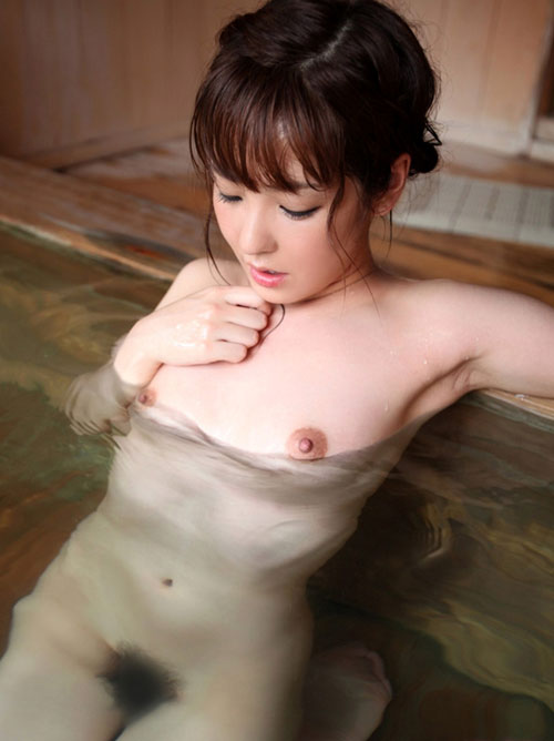 温泉でおっぱいと浸かって癒やし4