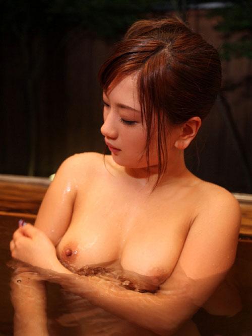 温泉でおっぱいと浸かって癒やし16