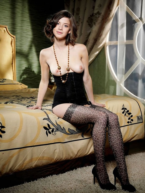 外国人美女の超セクシーなコルセット画像
