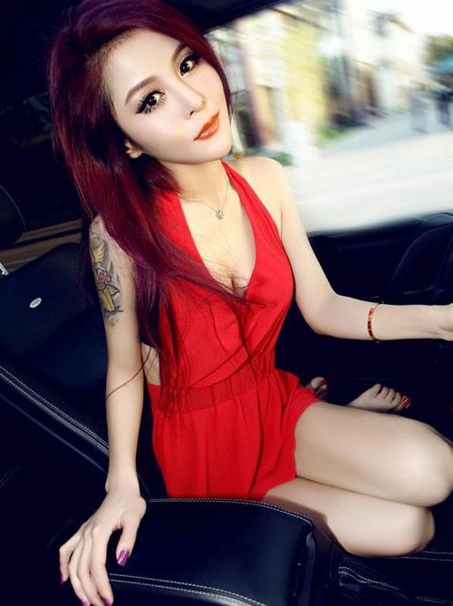【海外】可愛いアジアンガールとセクシーなOLお姉さん♪