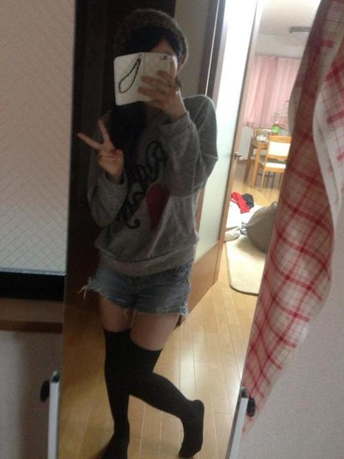 【三次】ニーソ履いてる女の子の太ももエロ画像part2