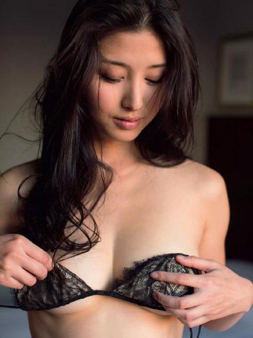 みんなの愛人!橋本マナミちゃんのような団地妻が居たらその団地はカオス状態だな!