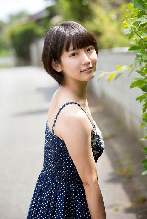 吉岡里帆ブレイク女優のおっぱい7