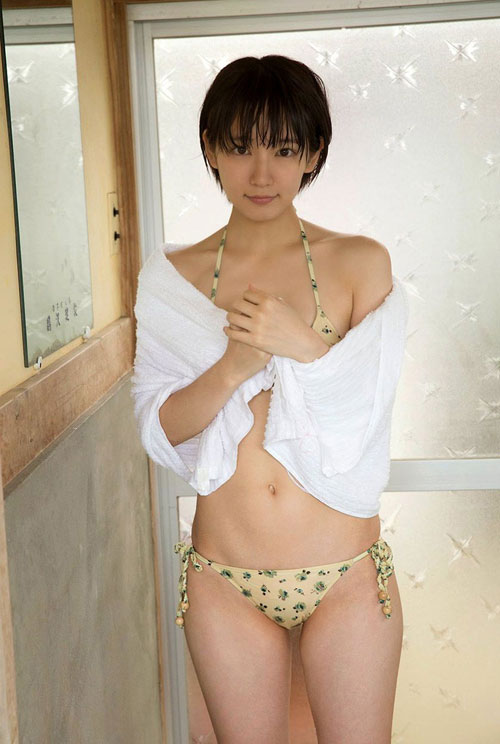 吉岡里帆ブレイク女優のおっぱい13