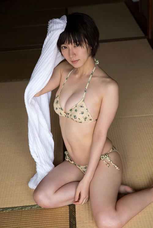 吉岡里帆ブレイク女優のおっぱい14