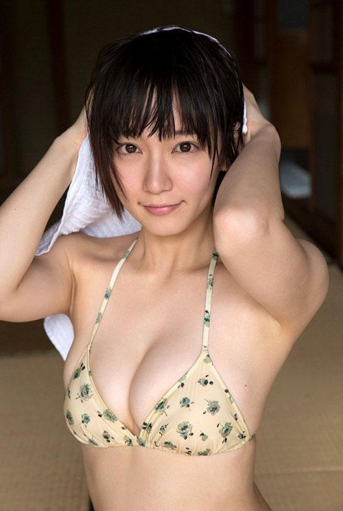 吉岡里帆ブレイク女優のおっぱい20