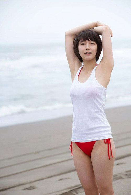 吉岡里帆ブレイク女優のおっぱい22