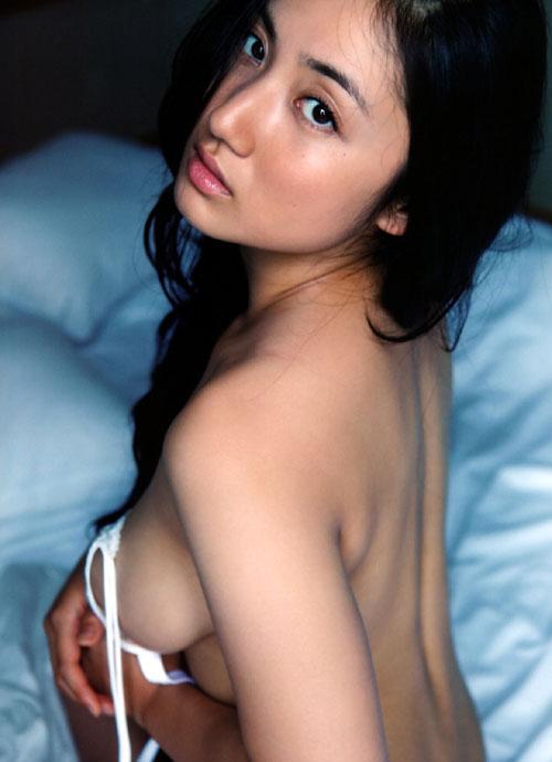 紗綾の全裸ヌードでおっぱい露出5