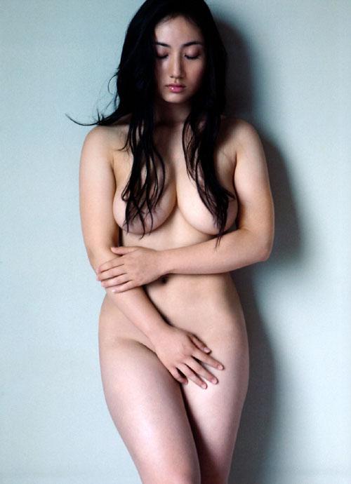 紗綾の全裸ヌードでおっぱい露出7