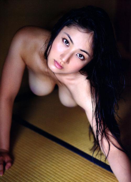 紗綾の全裸ヌードでおっぱい露出14