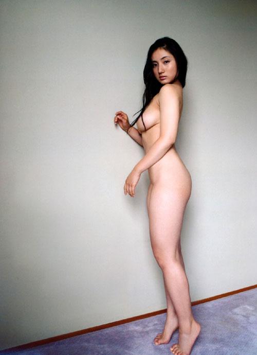 紗綾の全裸ヌードでおっぱい露出17