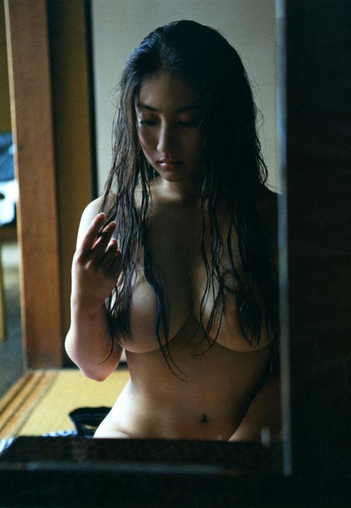 紗綾の全裸ヌードでおっぱい露出26