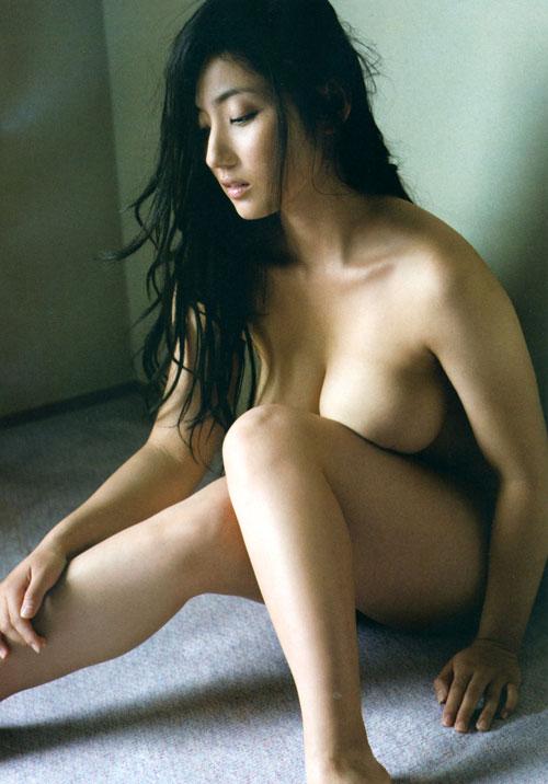紗綾の全裸ヌードでおっぱい露出28