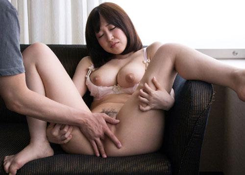 篠田ゆうのEカップ巨乳おっぱい20