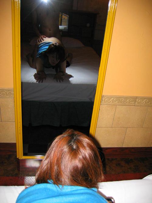【ハメ撮り エロ画像】鏡があったら何しますか?→ハメ撮り一択だろう!