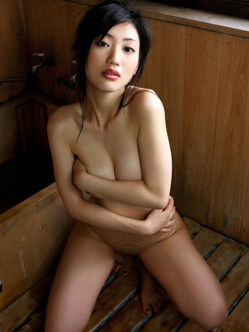 「安心してください、穿いてますよ」裸にしか見えないwセミヌードグラビア #エロ画像 45枚