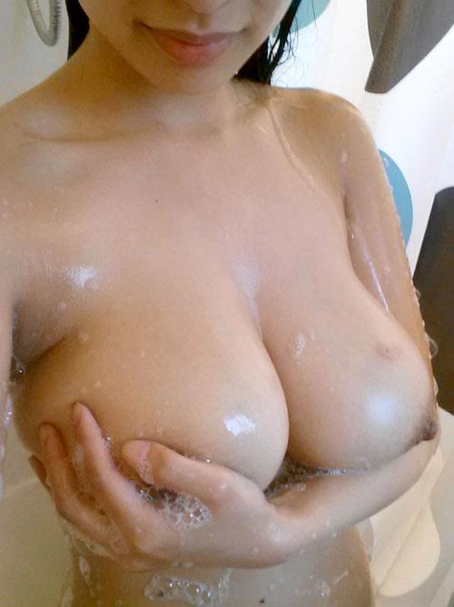 石鹸の泡まみれのふわふわおっぱい26