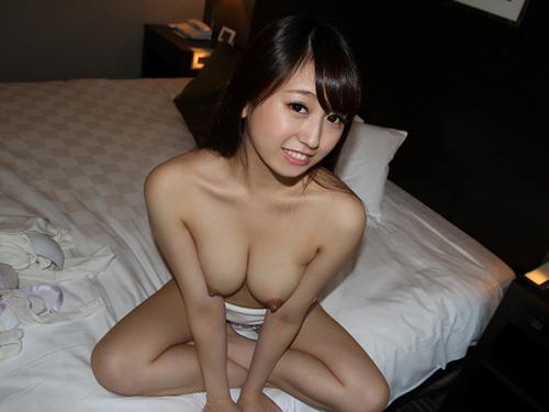 ムッチリボディのパイパンお姉さんのセックス画像