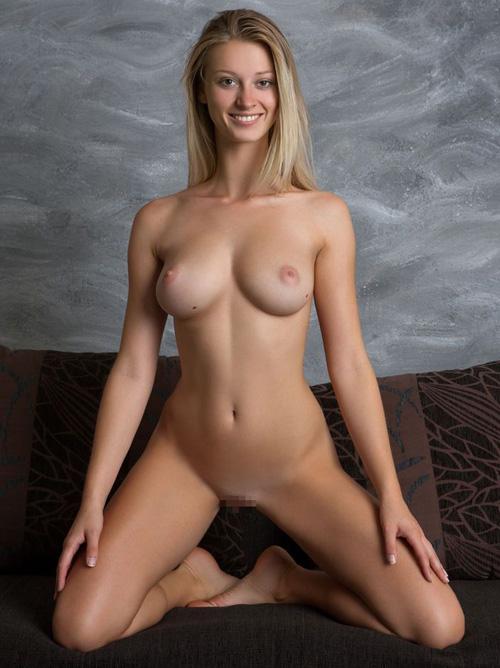 顔も身体も第一級の芸術品並みにパーフェクト!女神過ぎる外国人美女のキレイでセクシーなヌード画像