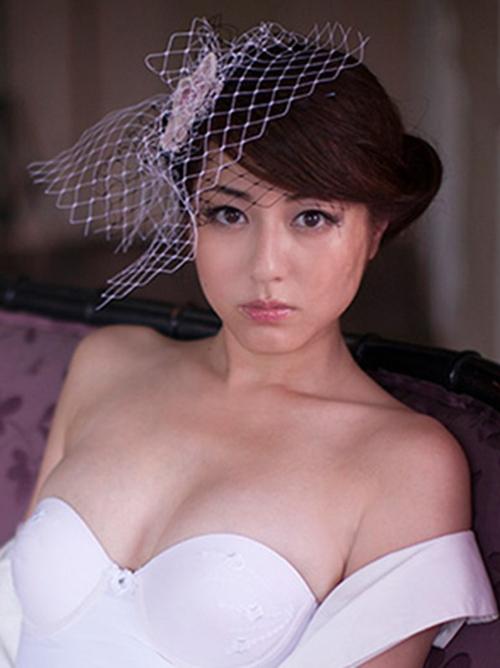 【杉本有美】最近に全裸ヌード披露した模様(・ω・ノ)巨乳おっぱいグラビア