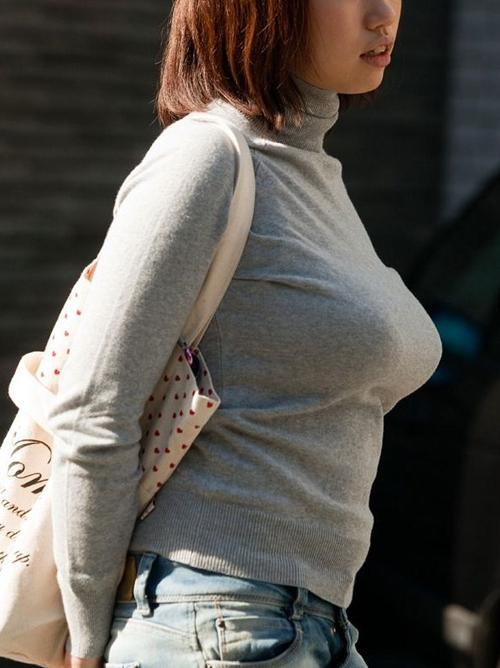 着衣で横乳くっきりは巨乳の証拠★エロ画像49枚
