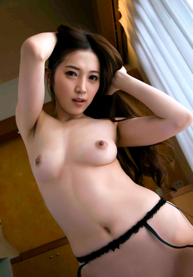 小川あさ美 清楚なEカップ美しい乳お乳とプリプリな美尻にムラムラしちゃう