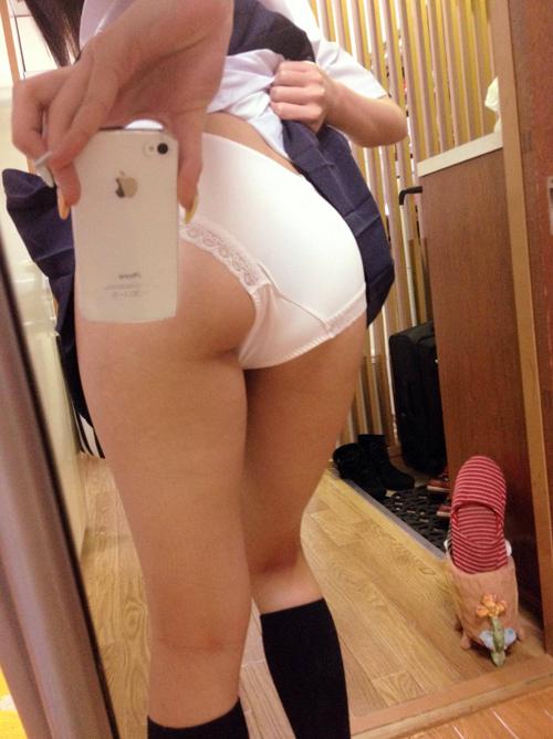 【画像】女のパンツが好きでたまらないヤツwww