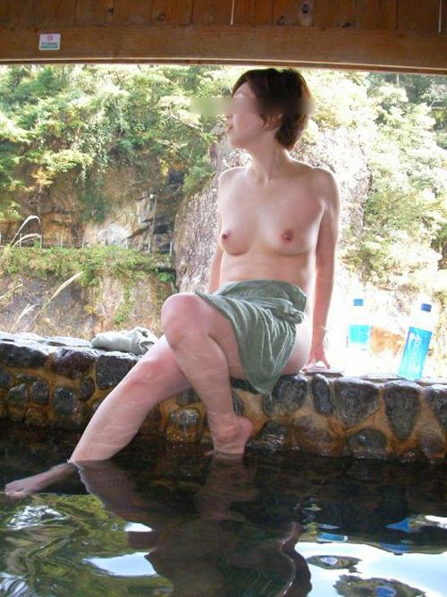 【温泉 エロ画像】野外露出でしかない素人露天風呂画像まとめ!