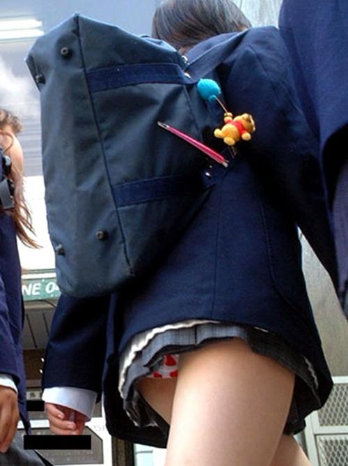 【街撮りJk】成長期の太ももがやべぇwwwこんな短いスカートとか…襲ってもいいだろ?www