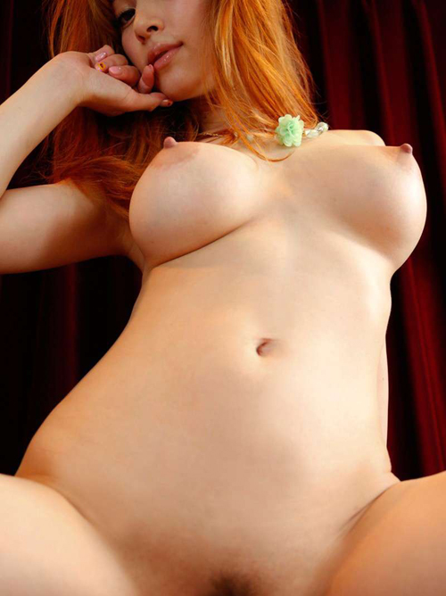 【勃起乳首エロ画像】性的な興奮、快感で勃起した乳首がめっちゃめちゃエロい!