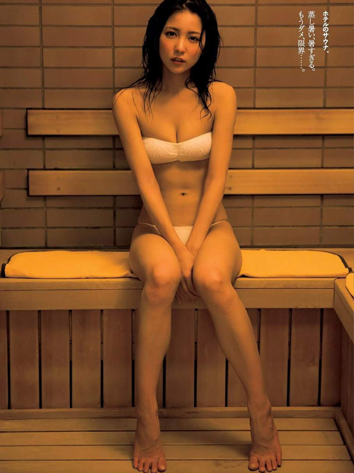 【セミヌード有り】石川恋(22)の新写真集がかなり過激らしい…。画像×27