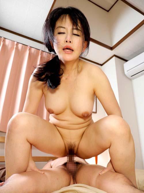 これは強烈にエロい!【 浅井舞香 】という40歳過ぎのおばさんから溢れるエロスが尋常じゃねーwww