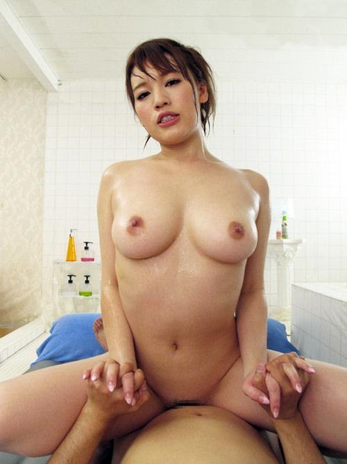 ギン勃ち肉棒が気持ちいい膣壁にあたり雌雄共にモリ上がってる騎乗位SEX