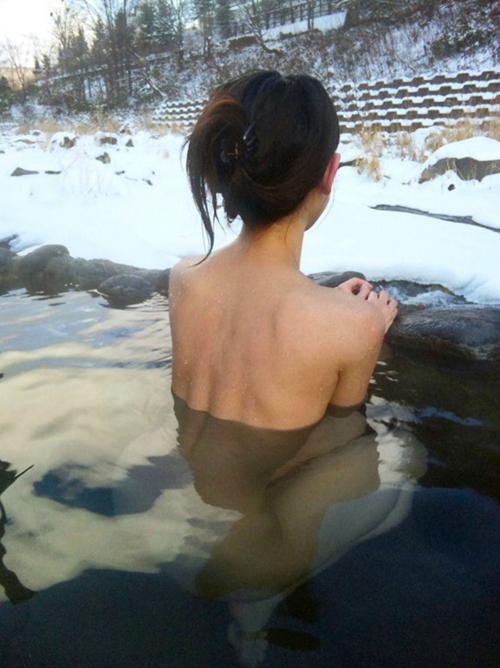 こんな美女としっぽり温泉はいりたくなるエロ画像wwww