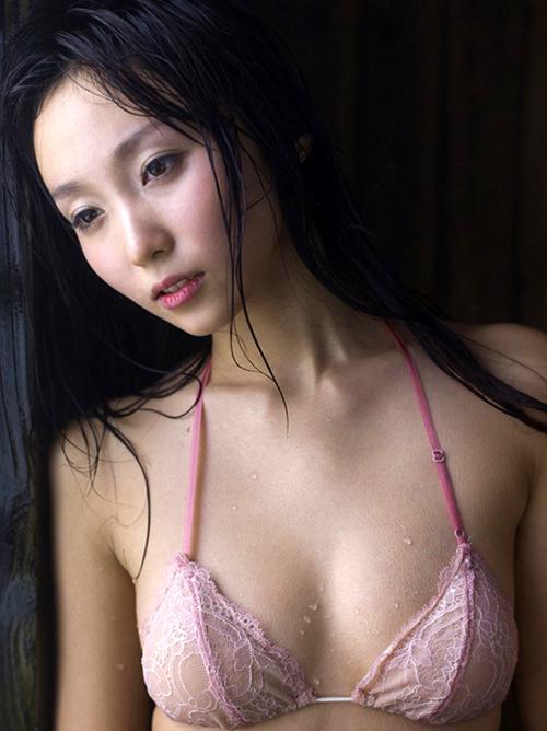 【吉木りさ】顔の黄金比率No.1美人の爆尻おっぱい美乳ビキニ巨尻画像まとめ90枚