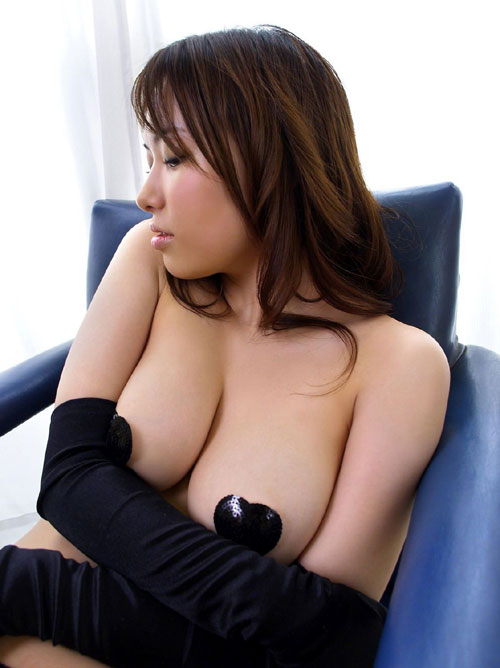 ニップレスで乳首隠したおっぱい21