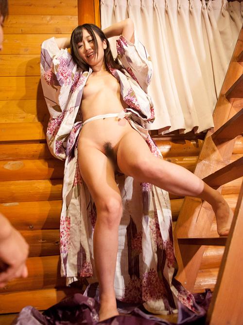 大槻ひびき 浴衣でイチャイチャセックス画像