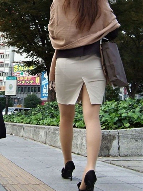 【素人街撮り】 ストッキング履いてるOLさんの足がクッソえろいのでカメラで追ってみたwwww【画像30枚】