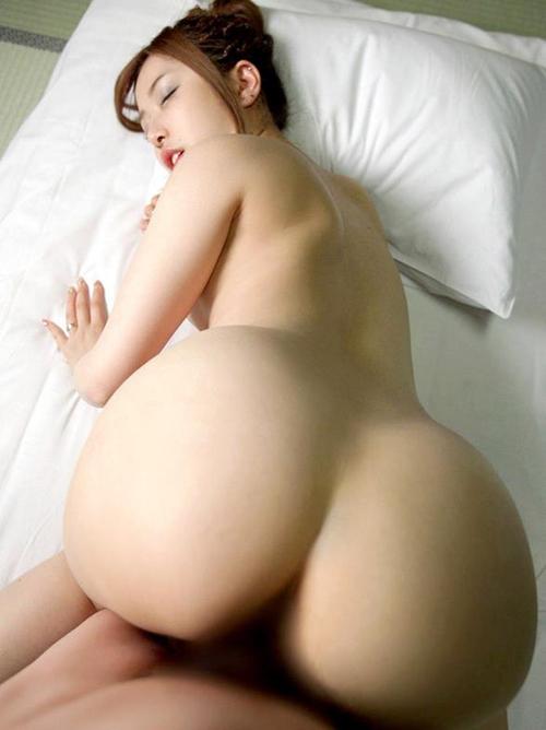 【セックスエロ画像】バックでおまんこ突かれてエロい表情してるセフレwww