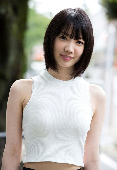 鈴木心春Fカップ美巨乳おっぱい2