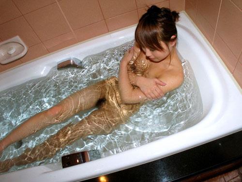 お風呂につかるおっぱいで癒やし24
