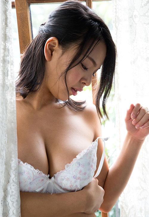 南真菜果Hカップ美巨乳おっぱい31