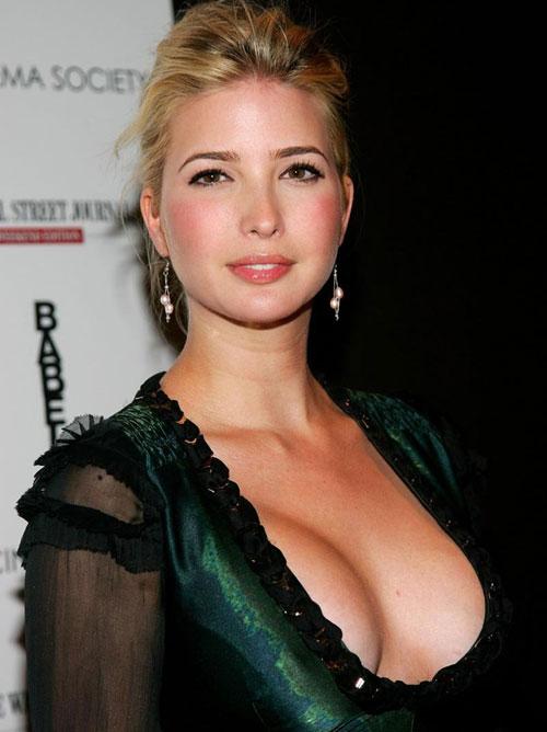 トランプさんの娘が金髪色白巨乳でエロい画像